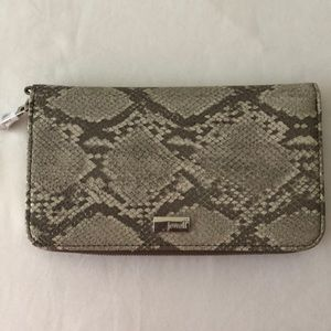 Thirty-One wallet, new with tags, Putty Snake